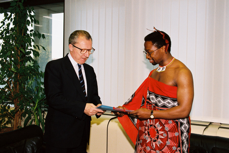 Presentation of the credentials of the Heads of Mission to Jacques Delors, President of the CEC