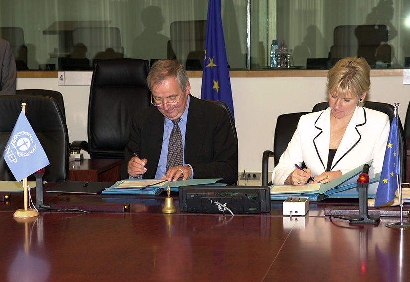 Signature of the memorandum of understanding between the EC and the UNEP on global efforts for the environment