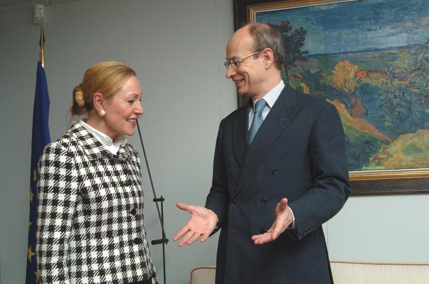 Visite de Gijs de Vries, coordinateur de l'UE de la lutte contre le terrorime, à la CE