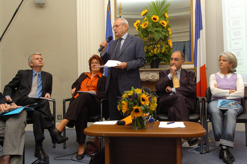 Visit by Jacques Barrot, Vice-President of the EC, to the representation of the EC in France