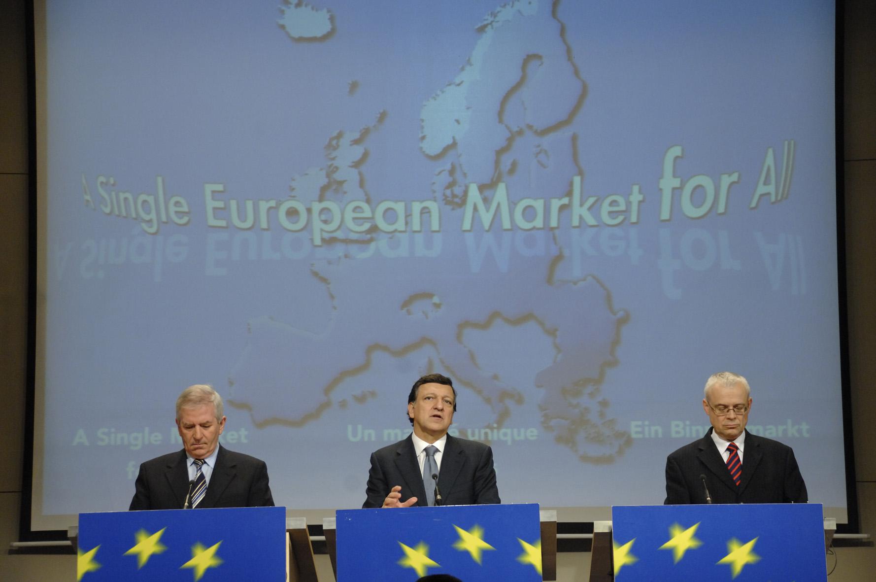 Conférence de press sur un marché unique moderne pour tous