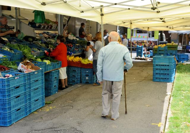 The open air market of 'la place Dailly' in Brussels