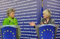 Conférence de presse de Viviane Reding, vice-présidente de la CE, sur l'Année européenne du bénévolat