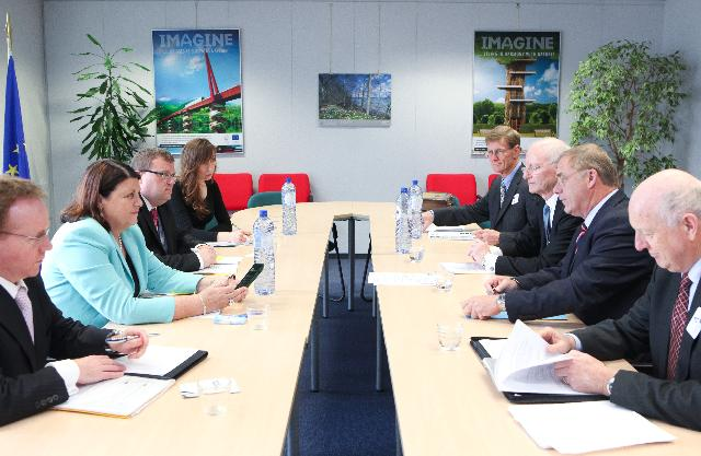 Visit of Wayne Mapp, Minister for Defence and Minister for Science and Innovation of New Zealand, to the EC