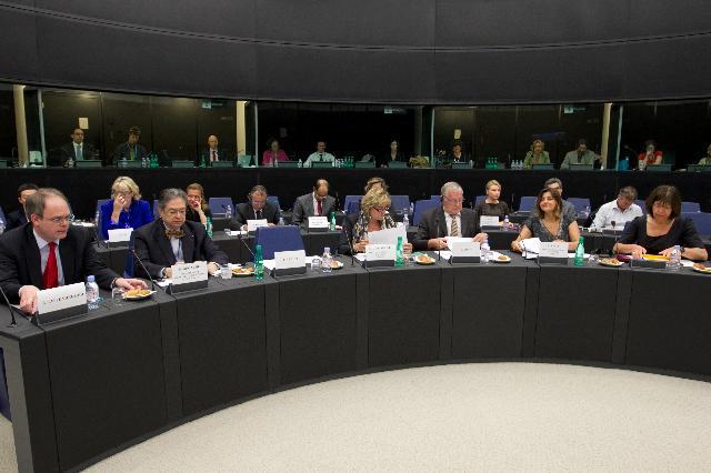 Participation de José Manuel Barroso, président de la CE, à la réunion extraordinaire de la Conférence des présidents