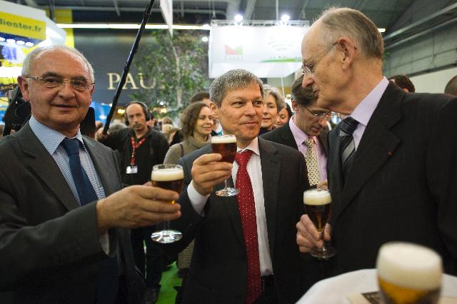 Visit of Dacian Cioloş and John Dalli, Members of the EC, to the 2012 Paris International Agricultural Show