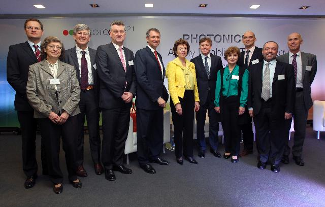 Participation de Neelie Kroes, Vice-President of the EC, at the Annual Meeting of the platform Photonics 21