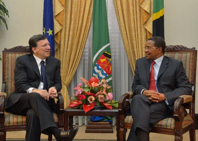 Visit of José Manuel Barroso, President of the EC, and Andris Piebalgs, Member of the EC, to Tanzania