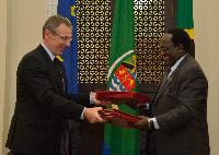Visit of José Manuel Barroso, President of the EC, and Andris Piebalgs, Member of the EC, to Tanzania