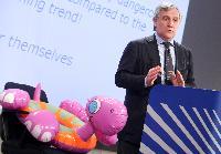 Conférence de presse d'Antonio Tajani, vice-président de la CE, sur la campagne sur la sécurité des jouets: