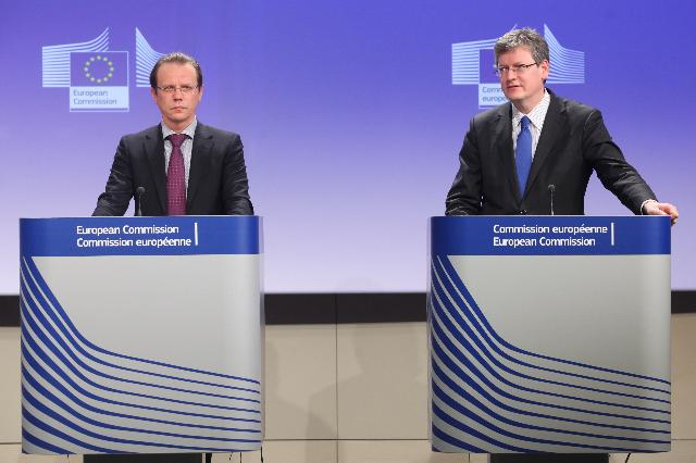 Joint press conference by László Andor and Algirdas Šemeta, Members of the EC, on the 2013 Annual Growth Survey