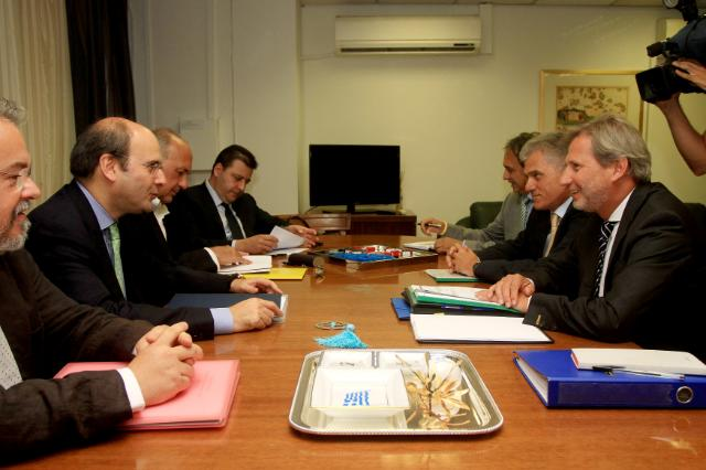 Meeting in the presence of Kostis Hatzidakis, 2nd from the left, Johannes Hahn, 1st from the right, and Panayotis Carvounis, Head of the EC Representation in Greece, 2nd from the left