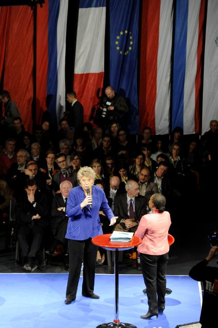 Citizens' Dialogue in Marseille with Viviane Reding