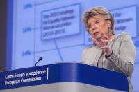 Conférence de presse de Viviane Reding, vice-présidente de la CE, sur les rapports annuels 2013 sur l'application de la charte des droits fondamentaux de l'UE et sur l'égalité entre les femmes et les hommes