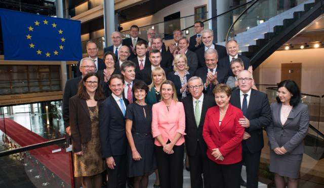 Group photo of the College of the Juncker Commission