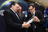 "Illustration of ""Participation of José Manuel Barroso, President of the EC, and Jean-Jacques Dordain, Director General of..."
