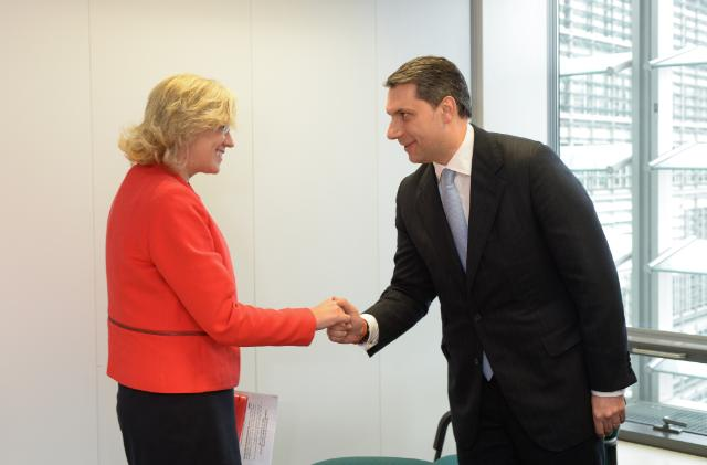 Visit of János Lázar, Hungarian Minister of State to the Office of the Prime Minister, to the EC