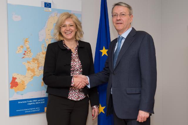 Visite de George Ciamba, secrétaire d'Etat roumain aux Affaires européennes, à la CE