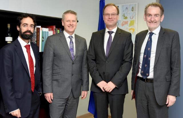 Visite de représentants d'universités britanniques à la CE