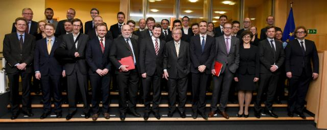 Group photo of the sherpas of Heads of State and Government of the 28 EU Members countries, with Jean-Claude Juncker, President of the EC