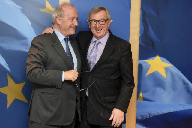 Visite d'Hubert Védrine, ancien ministre français des Affaires étrangères, et membre indépendant du conseil d'administration de LVMH et d'Ipsos, à la CE