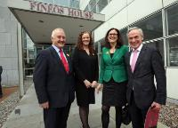 (L-to-R) Tom Wall, Chief Financial Officer, Joanne McMullen, Chief People Officer, Cécilia Malmstrom, et Minister Bruton at FINEOS House, Eastpoint Business Park