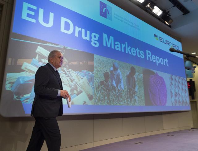 Joint press conference by Dimitris Avramopoulos, Member of the EC, Alexis Goosdeel, Director of the EMCDDA, and Rob Wainwright, Director of Europol, on the launch of the 2nd edition of the EU Drug Market Report