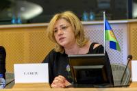 Participation de Corina Creţu, membre de la CE, à la Journée internationale des Roms organisée au PE