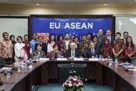 Visite de Phil Hogan, membre de la CE, en Indonésie