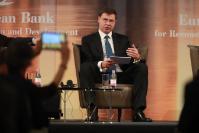 Visite de Valdis Dombrovskis, membre de la CE, en Hongrie