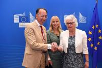 Participation of Elżbieta Bieńkowska, Member of the EC to the signing ceremony of the Delegation Agreement to EDA for the Preparatory Action on Defence Research