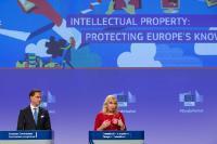 Conférence de presse conjointe de Jyrki Katainen, vice-président de la CE, et Elżbieta Bieńkowska, membre de la CE, sur le paquet