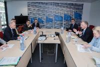 Visite de Jari Leppä, ministre finlandais de l'Agriculture et des Forêts, et Elisabeth Backteman, secrétaire d'Etat suédois des Affaires rurales, à la CE