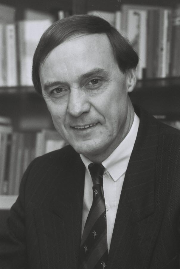 Karel van Miert, Member of the CEC