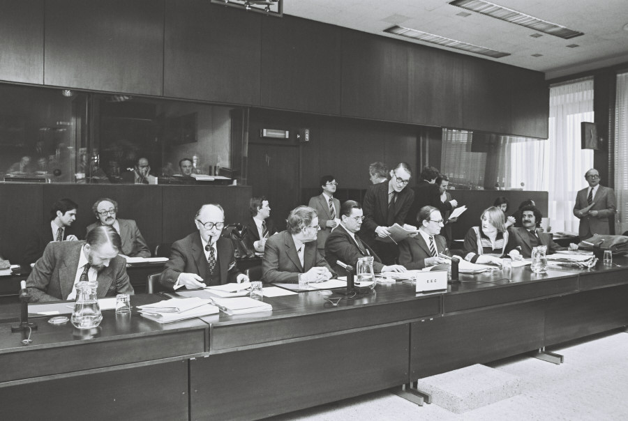 Signing of a fisheries agreement between the EEC and Poland