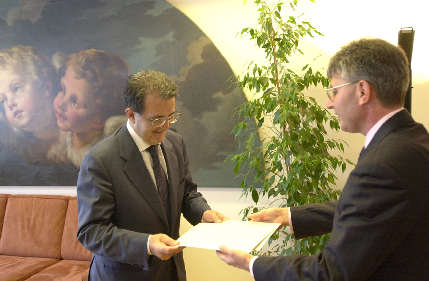 Presentation of the credentials of the Head of the Mission of Slovenia to Romano Prodi, President of the EC