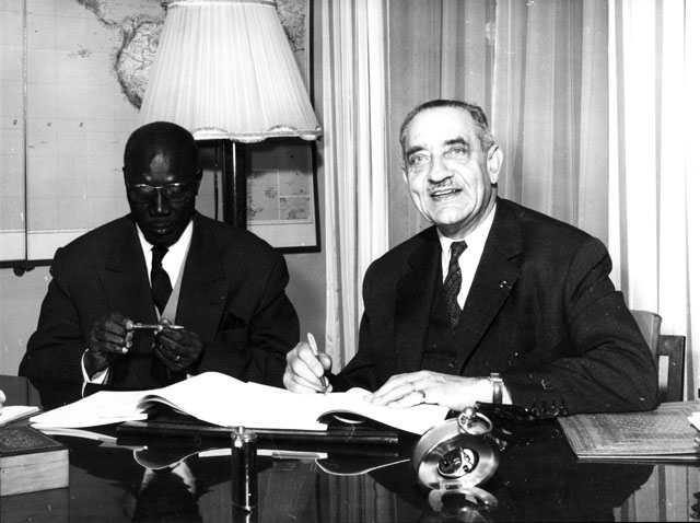 Signing of a financing agreement between the Commission of the EEC and Senegal