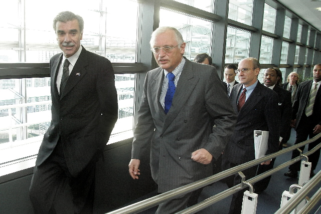 Visit by Carlos Gutierrez, US Secretary of Commerce, to the EC