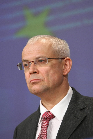 Press conference by Vladimír Špidla, Christine Boutin and Georges on the Roms