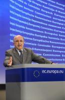 Conférence de presse de Joaquín Almunia, vice-président de la CE, relative à une affaire d'entente dans le secteur du sanitaire
