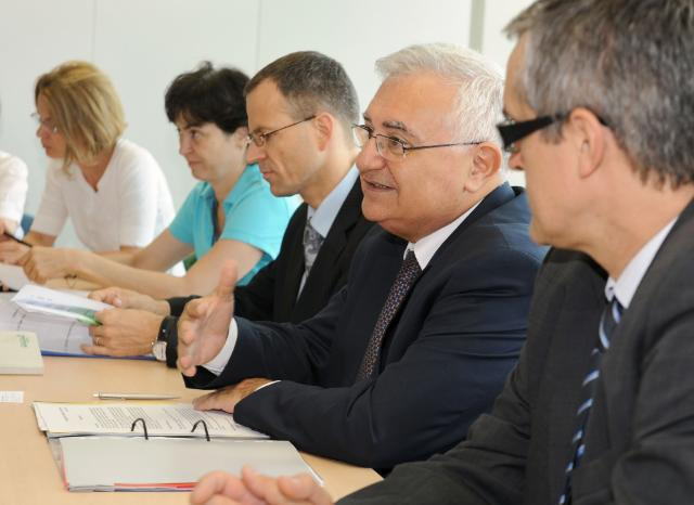 Participation of John Dalli, Member of the EC, at the Health Technology Assessment Dialogue Meeting