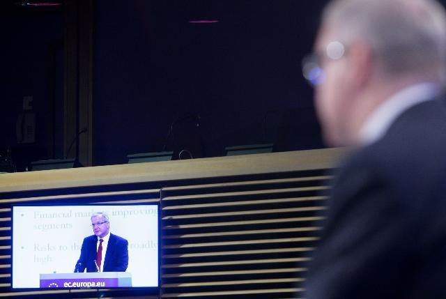 Conférence de presse d'Olli Rehn, membre de la CE, sur les prévisions économiques d'automne pour 2010-2012