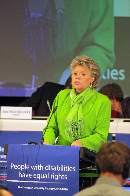 Participation de Viviane Reding, vice-présidente de la CE, à une conférence sur la citoyenneté européenne