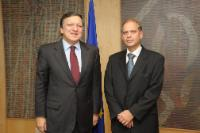H.E. Ambassador Yacov Hadas-Handelsman,  Head of the Mission of  Israel to the EU, on the right, and José Manuel Barroso
