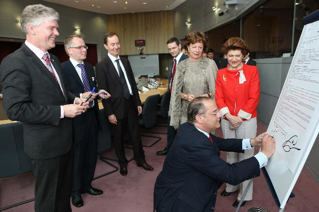 Signature of a Memorandum of Collaboration between the EIT ICT Labs of the European Institute of Innovation and Technology and the Future Internet Public-Private Partnership, the FI-PPP