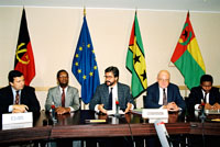 Signature of a regional cooperation agreement between the Portuguese-speaking African countries and the EEC