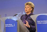Press conference by Viviane Reding, Vice-President of the EC, on misleading and comparative advertising Directive
