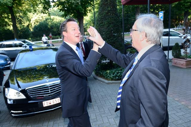 "Illustration of ""Meeting between David Cameron, British Prime Minister, and Jean-Claude Juncker, President-elect of the EC"""