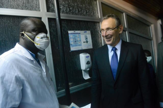 Visite d'Andris Piebalgs, membre de la CE, au Bénin