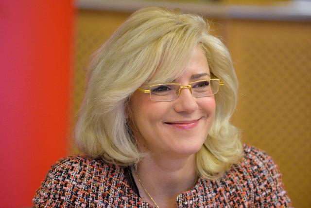 Participation of Corina Creţu, Member of the EC, at the event 'From Beggar to MEP.  Damian Drăghici: a Roma integration story'